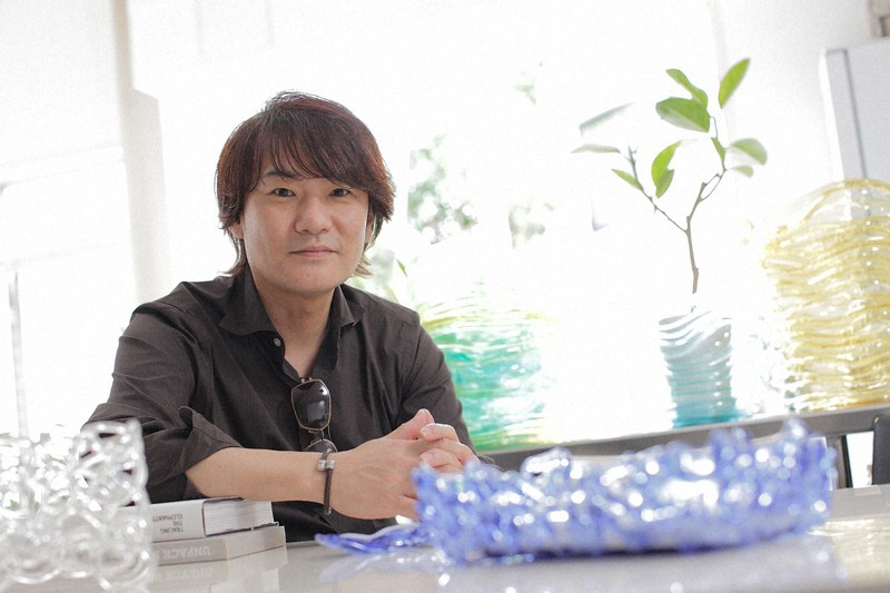 Presiden Honda Plus Takamitsu Honda = Disediakan oleh perusahaan