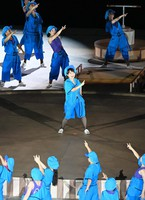 Japanese celebrity Ai Haruna, center, is seen during the opening ceremony of the Summer Paralympic Games at the Japan National Stadium in Tokyo's Shinjuku Ward on Aug. 24, 2021. (Mainichi/Noriko Tokuno)