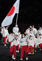 Members of the Japanese delegation enter the venue during the opening ceremony of the Summer Paralympic Games, at the Japan National Stadium in Tokyo's Shinjuku Ward on Aug. 24, 2021. (Mainichi/Toshiki Miyama)