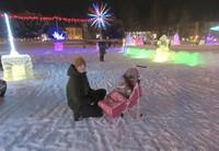 ロシアの冬の乳母車はソリ付き(写真は筆者撮影)