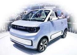 50万円を切る価格の中国EV「宏光MINI」のオープンカーモデル 筆者撮影