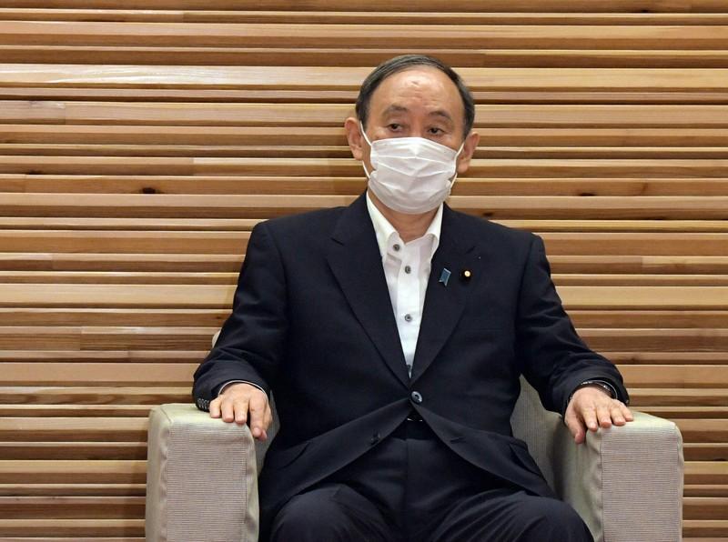 閣議に臨む菅義偉首相=首相官邸で2021年8月27日、竹内幹撮影