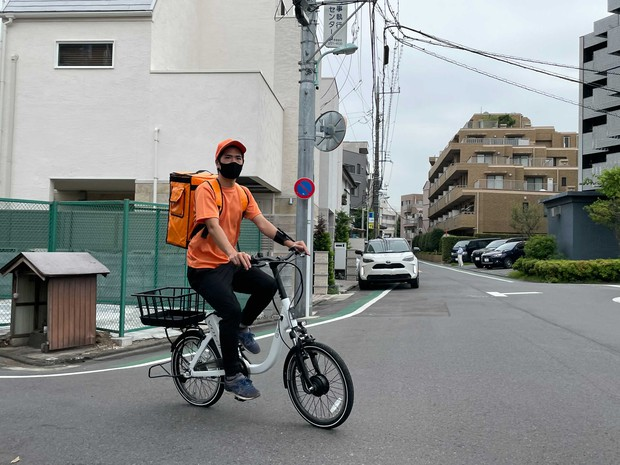 配達員には電動アシスト付き自転車が貸与される オニゴー提供