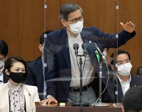 Shigeru Omi, chairman of a government subcommittee on the coronavirus response, speaks during a House of Representatives committee session in Tokyo on Sept. 15, 2021. (Mainichi/Kan Takeuchi)
