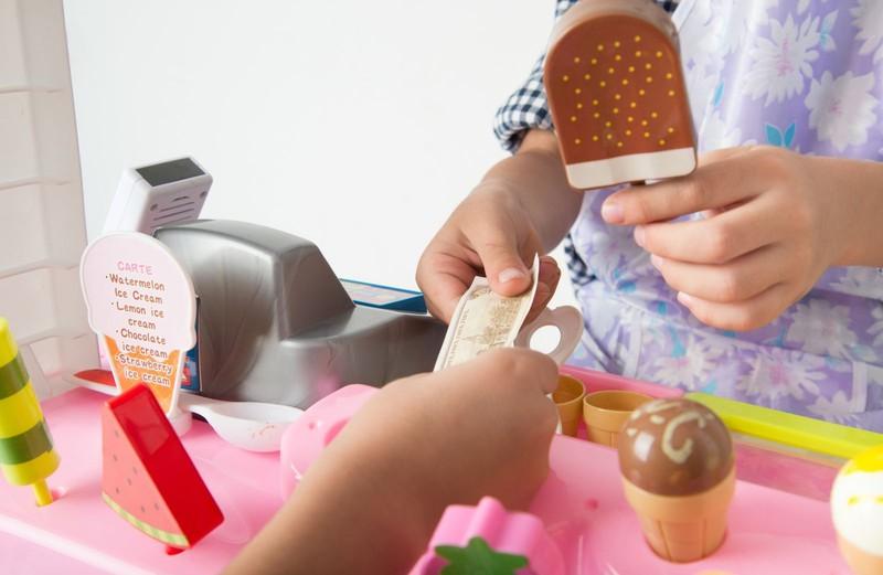 子どもたちの買い物ごっこに隠された「経済学」を見逃してはいけない