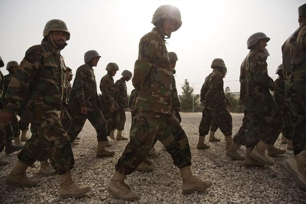 アフガン軍の教育や訓練の失敗が腐敗やモラルの低下につながった Bloomberg