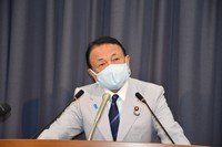 Finance Minister Taro Aso answers a reporter's question during a press conference at his ministry in Tokyo's Chiyoda Ward on Sept. 21, 2021. (Mainichi/Yuki Machino)