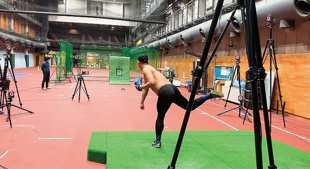 高精度機器で投球動作を解析する ネクストベース提供