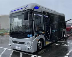 北九州市のEVモーターズ・ジャパンが商品化しているEVマイクロバス