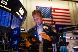9月は市場が様子見姿勢を強めたが……  Bloomberg