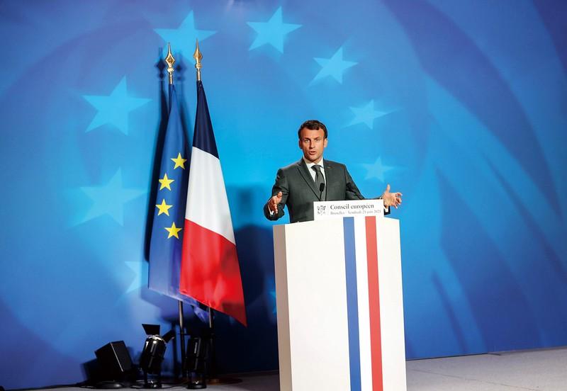 仏マクロン大統領は、PESCO(EU常備軍)の設立に尽力した Bloomberg