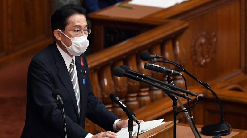 衆院本会議で所信表明演説をする岸田文雄首相=2021年10月8日、竹内幹撮影