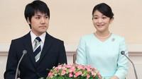 婚約が内定し記者会見する眞子さまと小室圭さん=2017年9月3日、東京・元赤坂の赤坂東邸(代表撮影)