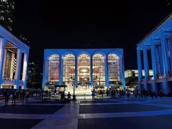 1年半ぶりに公演を再開したメトロポリタン歌劇場 筆者撮影