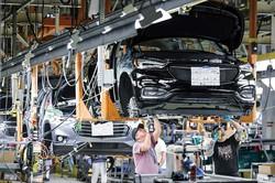 ゼネラル・モーターズ(GM)からも大型受注した(GMのミシガン州の工場) Bloomberg